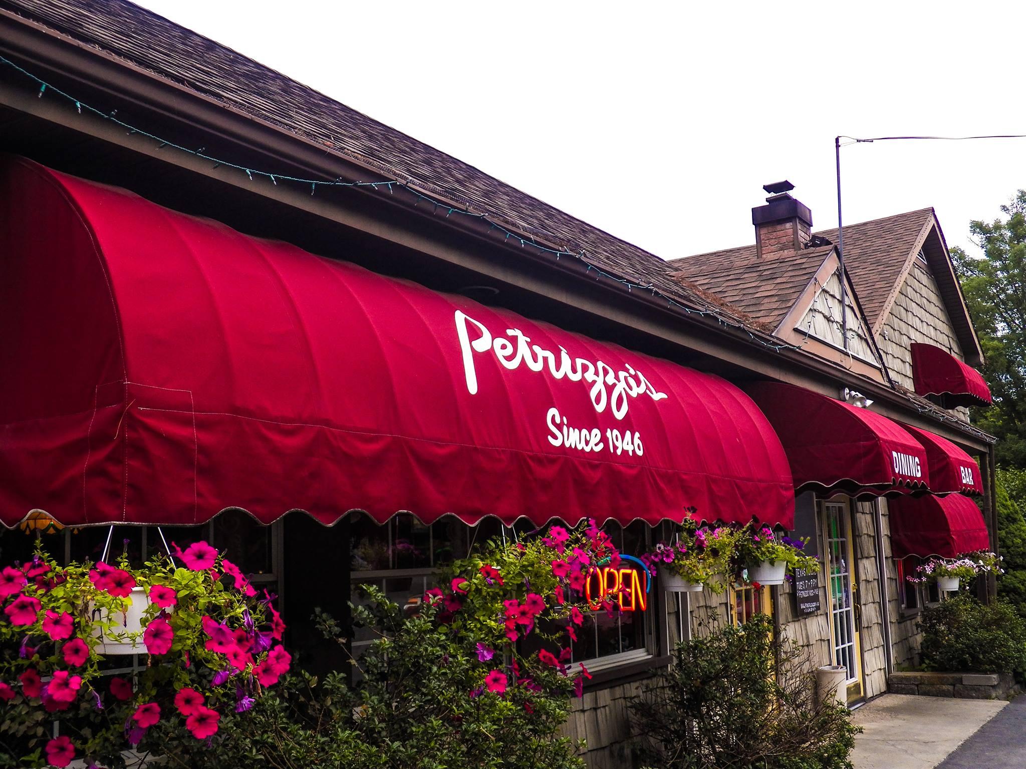 Petrizzos-Restaurant-Bushkill-Italian-Falls-Treetop-Villas-Shawnee-Fairway-Inn